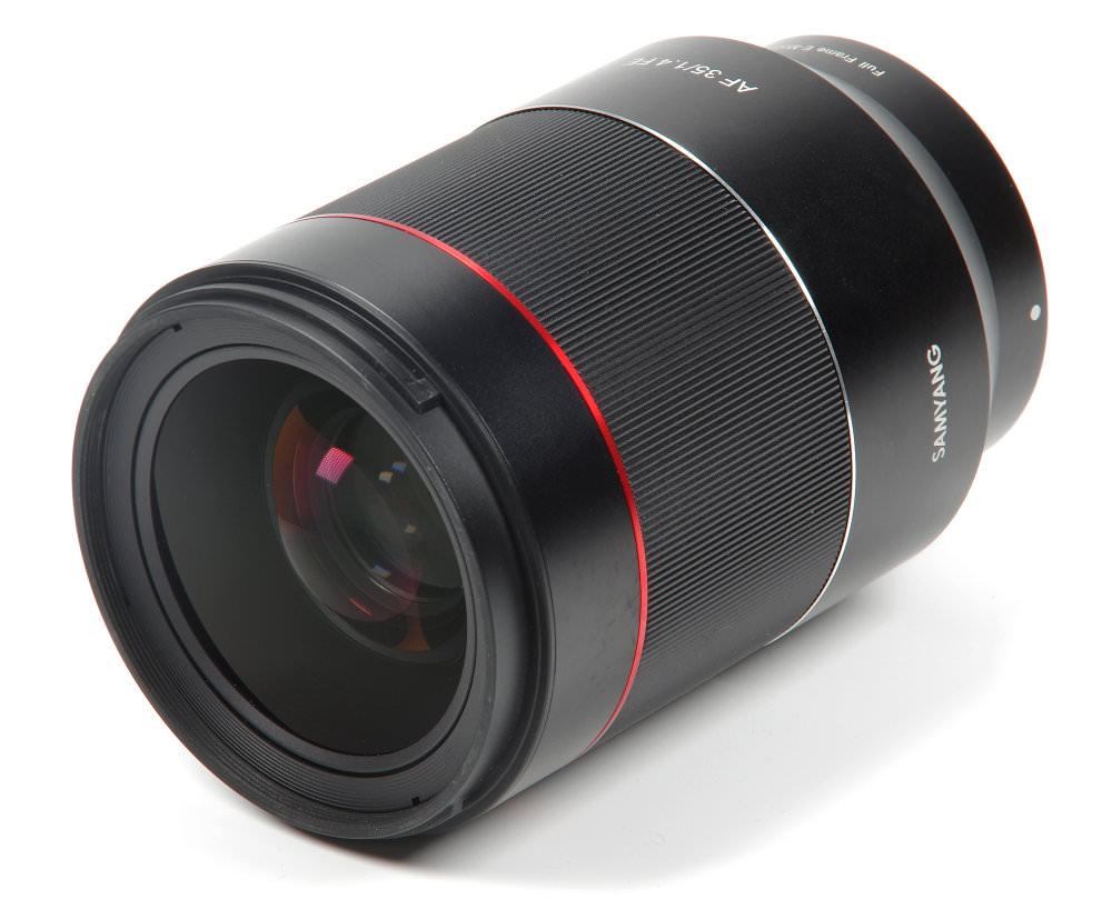 Samyang Af 35mm F1,4 Fe Front Oblique View