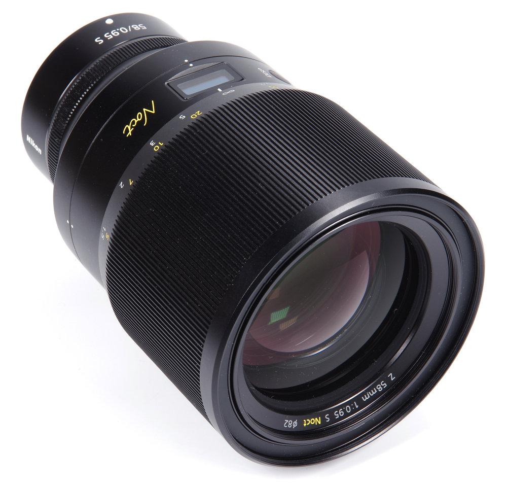 Nikkor Z 58mm F0,95S Front Oblique View