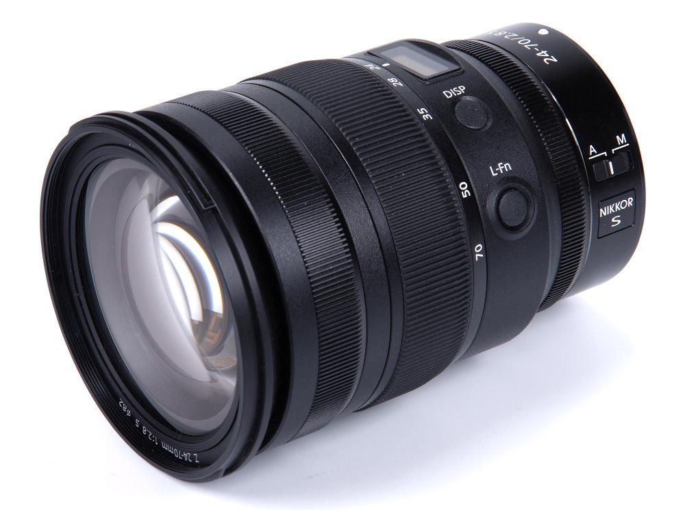 Nikon Z 24 70mm F2,8 Front Oblique View