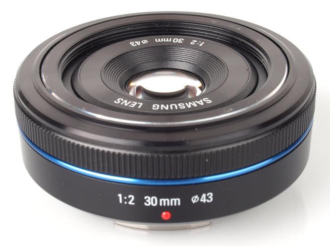 Samsung 30mm f/2 pancake lens review