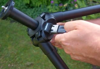 Velbon Ultra REXi L adjusting the column height