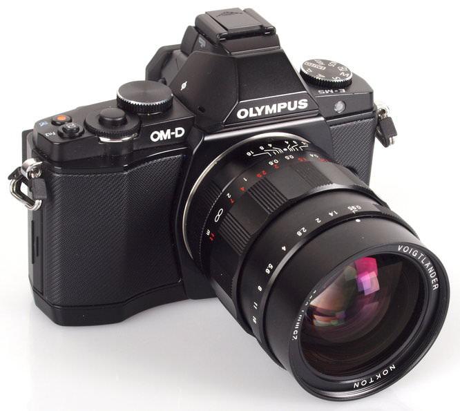 Voigtlander Nokton 25mm f/0.95 with Olympus OM-D E-M5