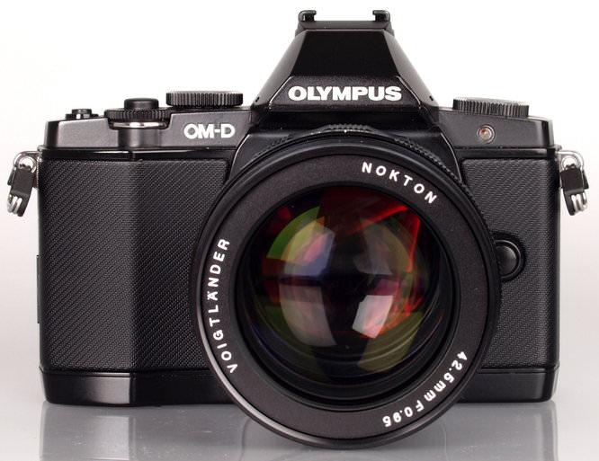 Voigtlander Nokton 42 5mm F 095 Mft Lens (1)
