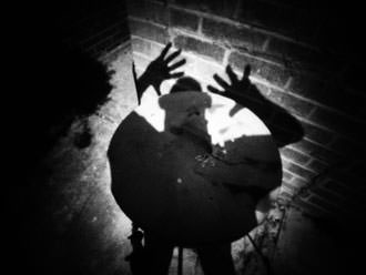 grainy shadow with pinwide
