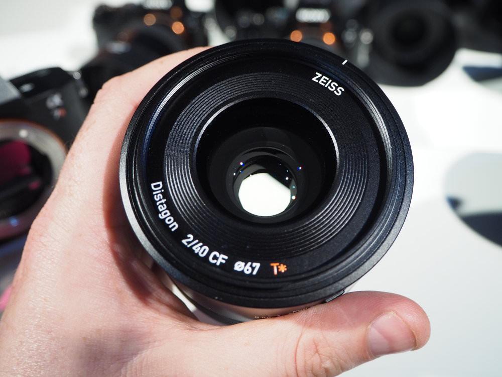 Zeiss Batis 40mm f/2.0 CF