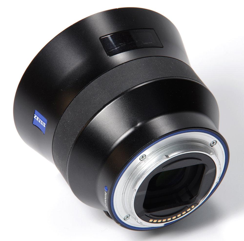 Zeiss Batis 18mm F2,8 Rear Oblique View