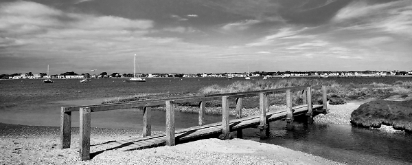 mudefrord-harbour-from-bridge-b-w.jpg