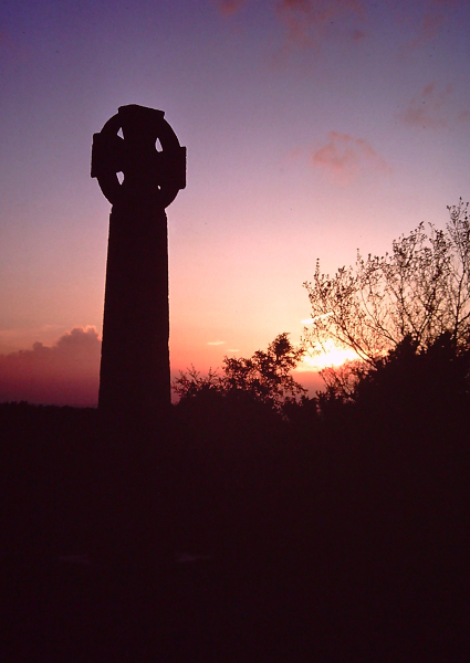 ion-14-013-gibbet-cross.jpg