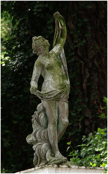 051-statue.jpg