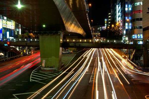 2-objects-in-motion-and-at-rest-tokyo.jpg