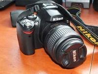 Selling : Nikon D40  Digital SLR Camera for sale    (Black)Nikon D40  Digital SLR Camera for sale    (Black)