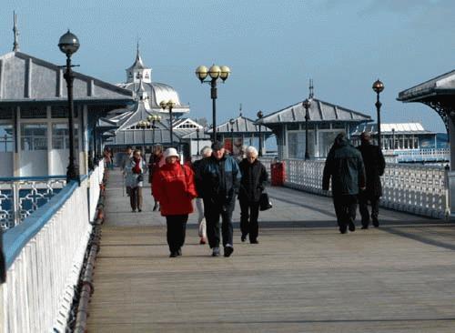 On Llandudno Pier by davemo