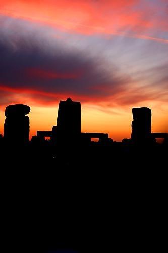 solstice sunrise stonehenge by ZenTog