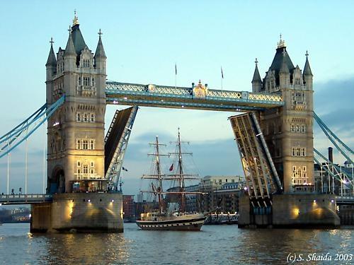 Tower Bridge by sshaida