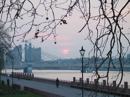 Albert Bridge Sunset by sshaida