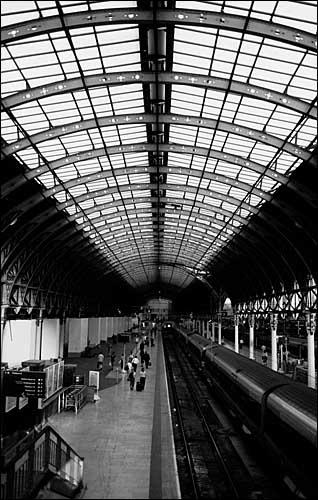Paddington Station by edz2001