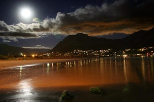 Moonlight by John-LS