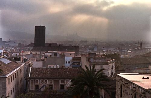 Barcelona Skyline by peterh