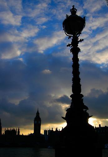 London by nikguyatt