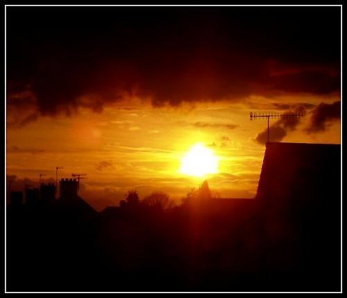Sun by stevearm