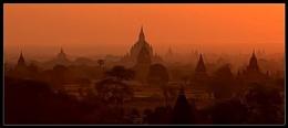 Sunrise of a 1000 Pagodas