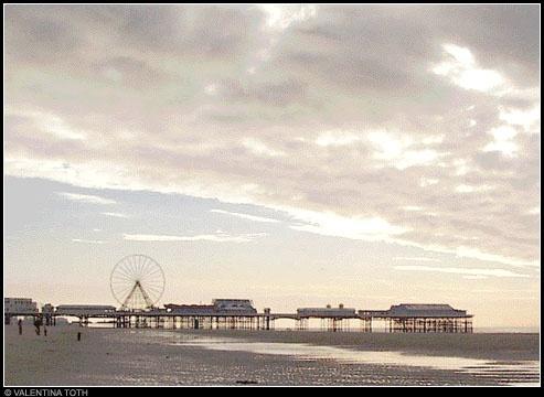 Blackpool Beach by vtoth