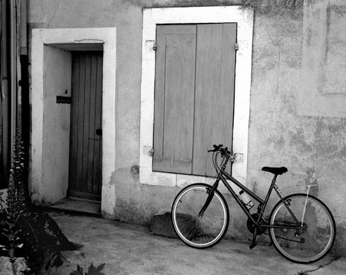 Bicycle Vlles-sur-Auzon by alansnap