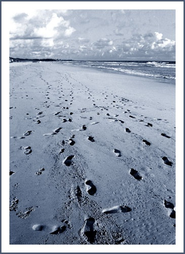 Footsteps by himalk