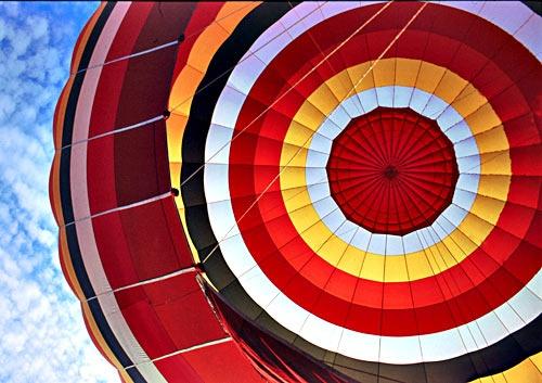 Ballooning Colours by minoltaandy
