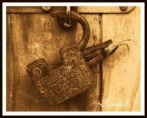 \'Lock-on Tommy\' by llonaid