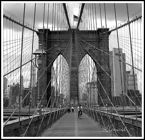 \'On Brooklyn Bridge\' by llonaid