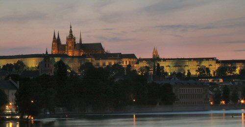 Night view of Prague castle by yidthekid