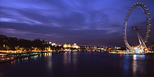 River view @ Night by nicbone