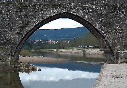 Through the bridge arch by emazevedo