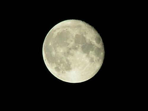Full Moon by ahitsjustme