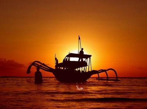 Sunrise In Paradise by ariandino