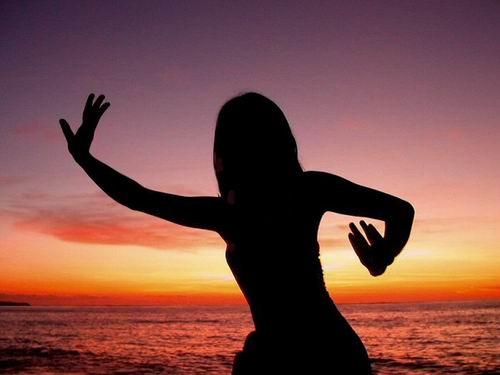 The Sunset\'s Dancer by ariandino