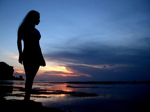 Girl on the sunset by ariandino