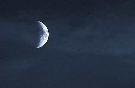 La Lune by SteveH