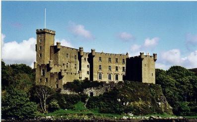 Dunvegan castle by thearmsofvenusdemilo