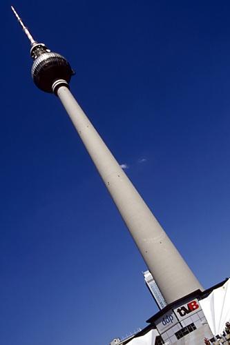 Alexanderplatz_2_Fernsehturm by saxon_image