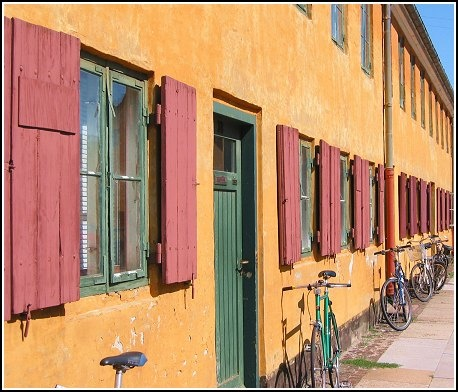 Shutters & Cycles by martynj