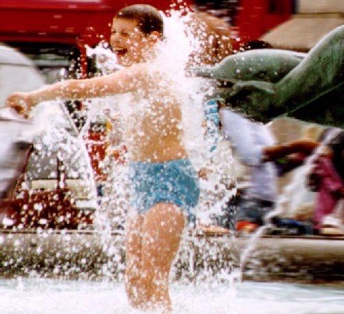 Fountain Fun by conrad