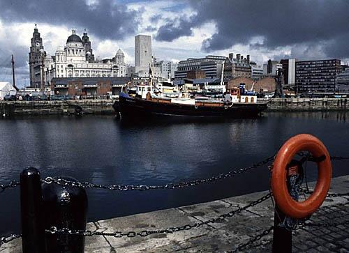 Liverpool Docks by seejayess