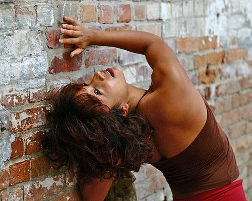 Carla Romances the Wall by SteveH