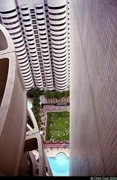 Hotel Maze