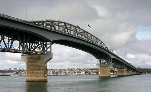 Auckland Harbour Bridge by mazer
