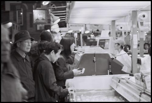 At the Market by kadisu