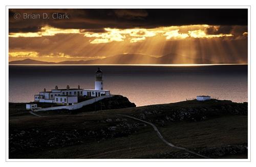 Neist Light, Isle of Skye by bravo charlie