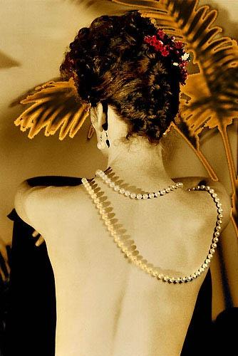 Pearl Lady by LourensdB